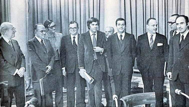 Los firmantes de los Pactos de la Moncloa. 1977.